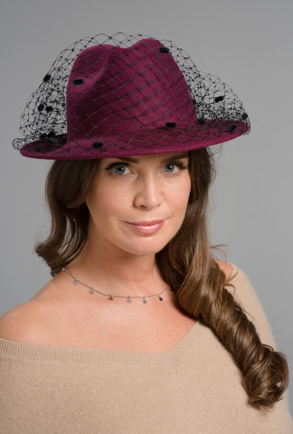 Burgundy felt trilby with black spotted veiling